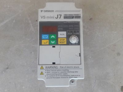 בקר  מנוע  omron  vs  mini  j7